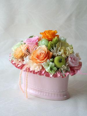 Carla  シャーベットオレンジ、ピンク、ミントグリーンのアレンジメント