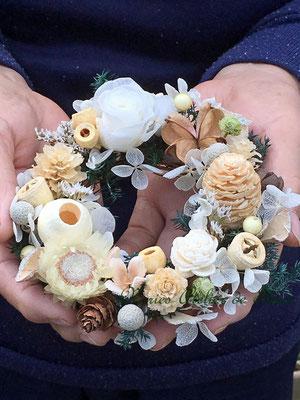 Jewels ジュエルズ 白い木の実の小さなリース