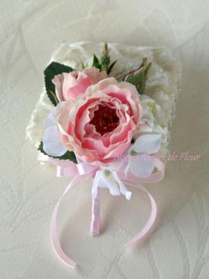 Clara クララ ピンクのバッグ型ブーケ ブトニア