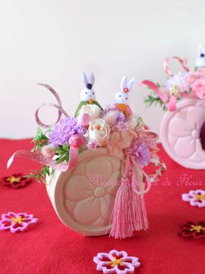 ひな祭りのプリザーブドフラワーのアレンジメント 淡いピンク