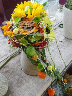 fliessender Brautstrauss Sommer Einfach Blume