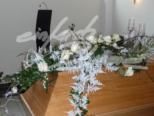 winterliche Sargauflage Einfach Blume