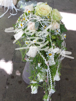 tropfen Brautstrauss Weiss Einfach Blumen