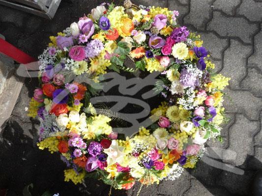 Trauerkranz farbenfroh Einfach Blume