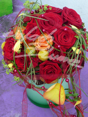 runder rosen Brautstrauss Einfach Blume