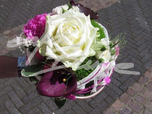 Standesamtstrauss Einfach Blume