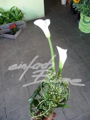 Calla Brautstrauss mit Anstecker Einfach Blume