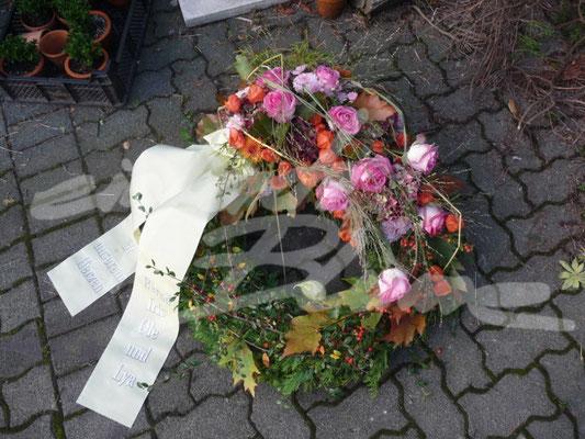 Trauerkranz Herbstlich EInfach Blume