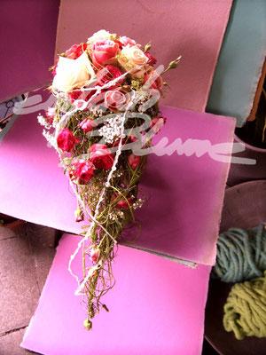 tropfen Brautstrauss Rosen Einfach Blume