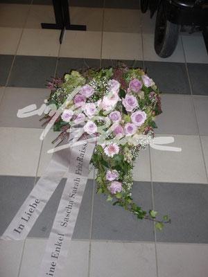 Trauergesteck Herz Einfach Blume
