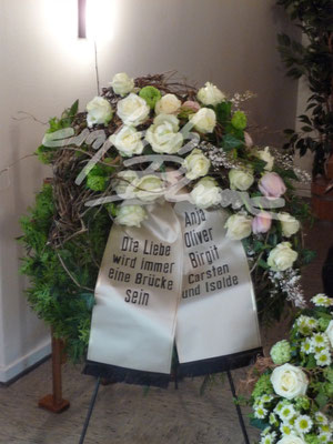 Trauerkranz Klassisch Einfach Blume