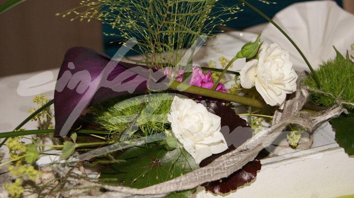 Lila Calla Hochzeitsgesteck Einfach Blume