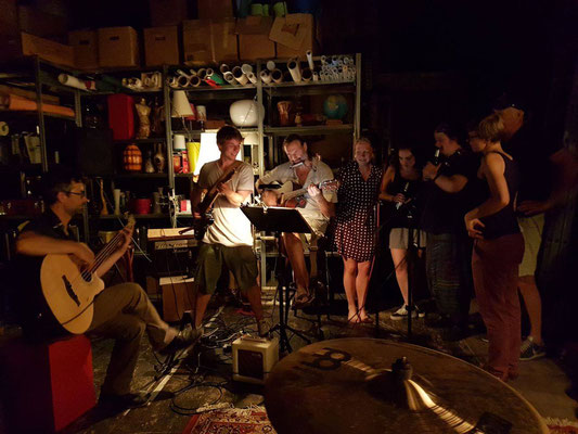 Nach dem Dreh die Töne klingen lassen - es war wundervoll // Shooting is over - Music is on! It was wonderful