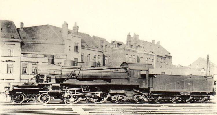 """1912: Die gleiche Lok ohne Stromlinienschale und vorderen Führerstand als """"Hannover 999"""""""