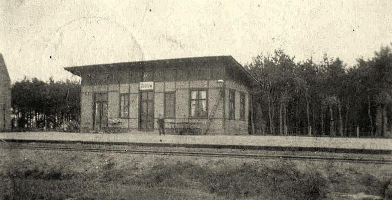 1900: Das erste Stationsgebäude in Cablow (Kablow)