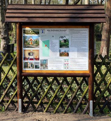 Hinweistafel am Historische Friedhof
