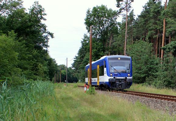VT 012 in Höhe Bindow Nord auf der Fahrt nach Frankurt Oder, 24.07.2017