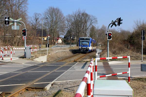 NEB-VT 012 bei Einfahrt in den Bahnhof Zernsdorf, 25.03.2018