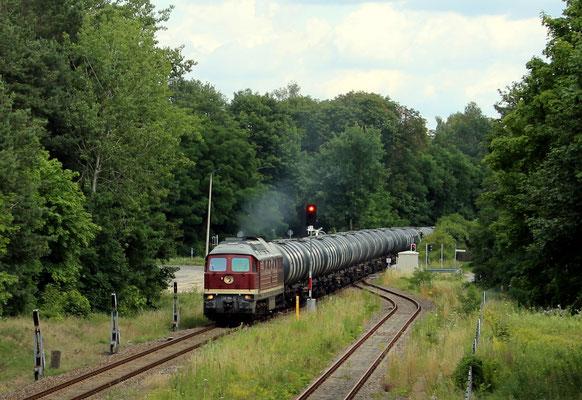 06.07.2017: Kesselwagenzug aus Kablow mit LEG-Lok 132 004