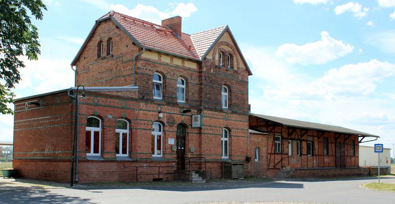 Bahnhofsgebäude Friedersdorf, 11.06.2016