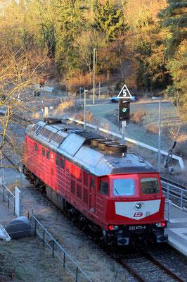 29.11.2016: LEG-Lok 232 673 auf Gleis 2