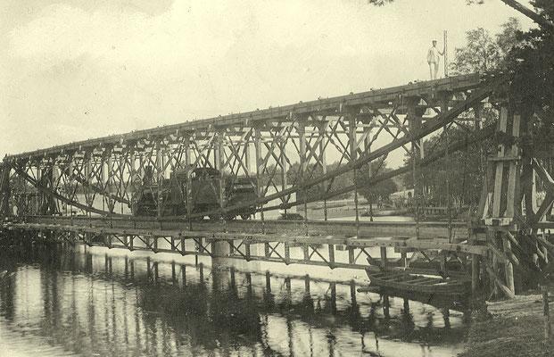 1910: Übungsbrücke am Schumka-See mit einer Lok G3, Nummern 101-103 (Borsig, Berlin-Moabit 1894)