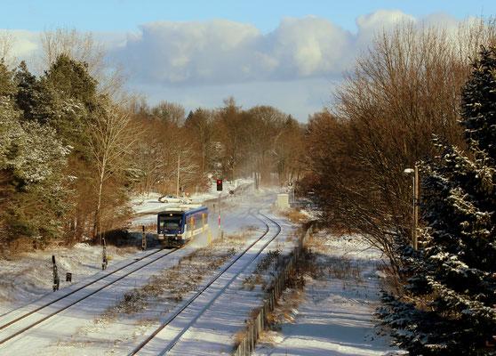 05.01.2017: NEB-VT 004 bei Einfahrt im Schnee