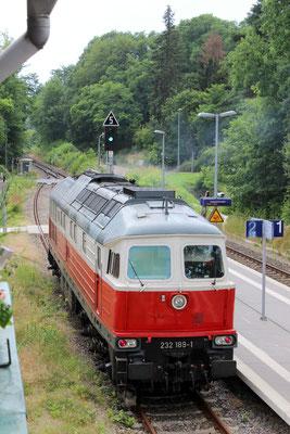 13.07.2016: Lok 232 189 der DB auf Gleis 2