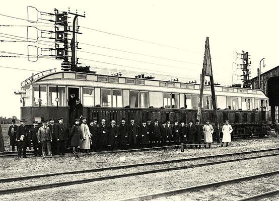 1903: Elektrischer Schnellfahrtriebwagen von Siemens (Wagen S) in Marienfelde