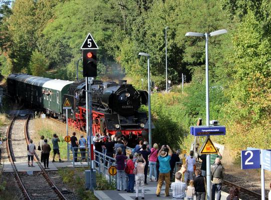 Einfahrt des Sonderzuges mit 03 155 aus Schöneweide