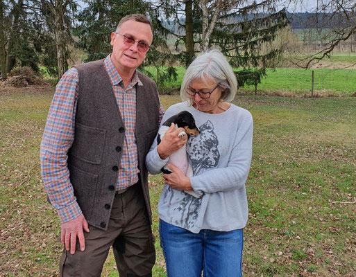 Bandit (Theo) wohnt nun bei Uwe und Heidi in Ockenheim