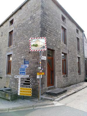 Dourbes, Rue de Roly