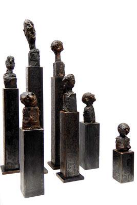 Figuren, Bronze, Stele Eisen patiniert, Größe ca. 12cm - 30cm