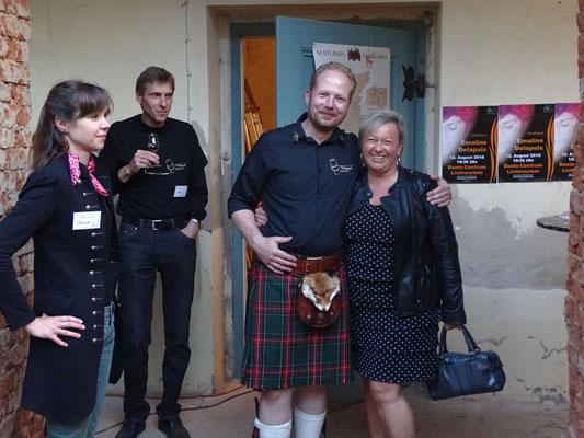 Astrid Peiker von der Glückaufbrauerei Gersdorf mit dem Vice Chief Marko Pfeiffer