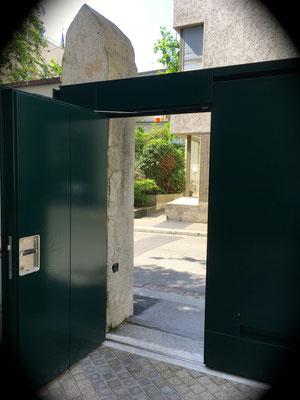 schwellenlose Servicetüre, Ansicht von innen