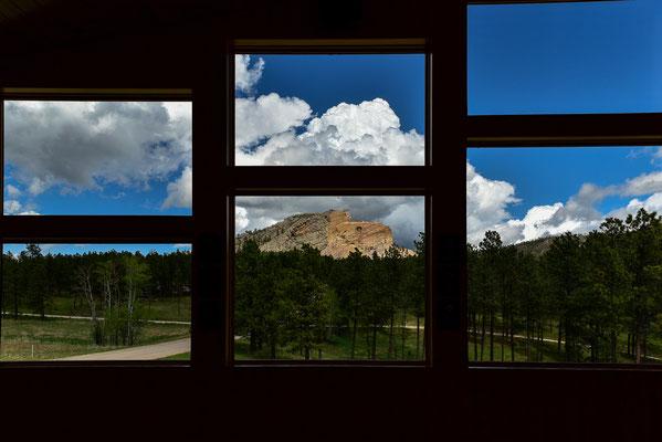 Blick aus dem Besucherzentrum auf das Crazy Horse Memorial , South Dakota