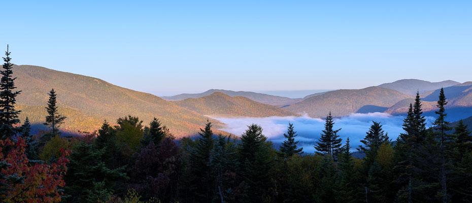 Berglandschaft entlang des Kancamagus Highways, New Hampshire