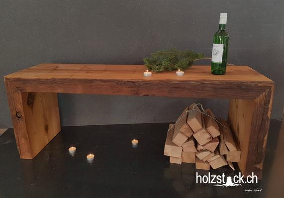 """Designmöbel gemacht aus einem """"Strichbrogg"""" Altholz Balken aus dem Toggenburg."""