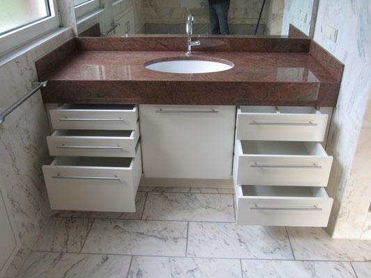 Bau- und Möbelwerkstatt Rainer Freialdenhoven Badmöbel