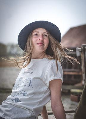 nachhaltige TShirt Kollektion aus Bio Baumwolle von Wanderrute Adventurestore mit Abenteuer Print