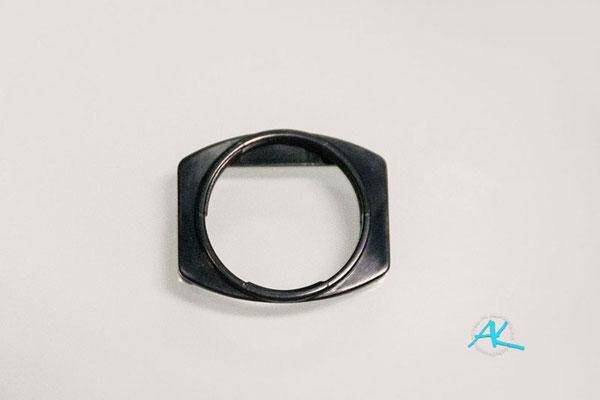 Das Adapterstück der First2savvv Augenmuschel, mit 22mm Innengewinde