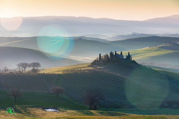 'Podere Belvedere mit Lens Flares' Val D'Orcia, Toscana