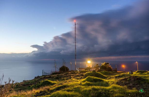 'Leuchtturm an der Westspitze Madeiras'