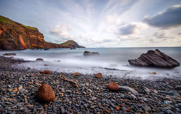 'Lavastrand an der Ostküste Madeiras'
