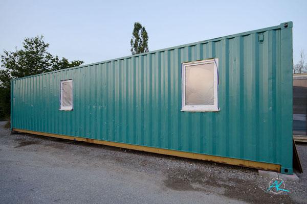 """Container """"A"""" sieht außen schon viel besser aus jetzt"""