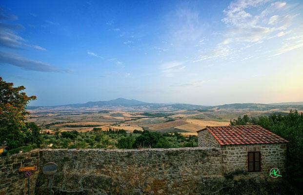 'Pienza Stadtmauer und Monte Amiato'