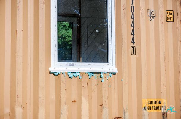 Ups, ein kleines Malheur beim Ausschäumen der Fenster ;-)