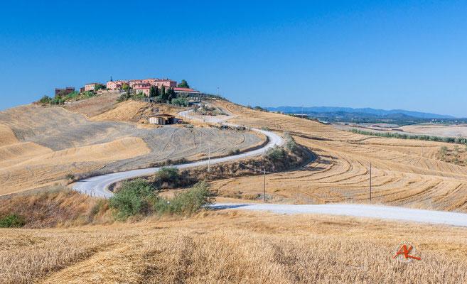 'Mucigliani unter blauem Himmel' Crete Senesi
