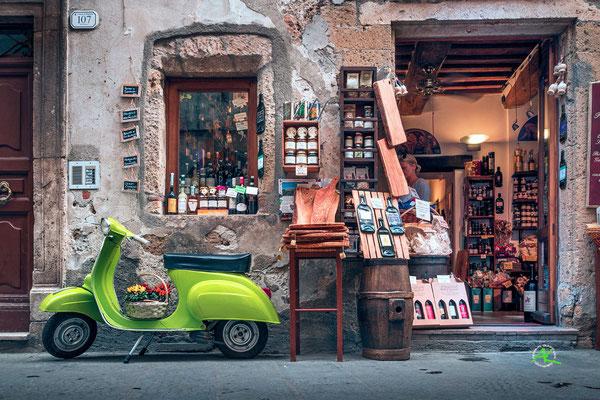 Souvenir- & Weinshop in Pitigliano