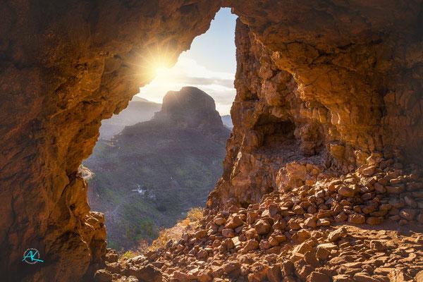 Ausblick aus der großen Höhle der Fortaleza Grande, La Fortaleza, Tirajana